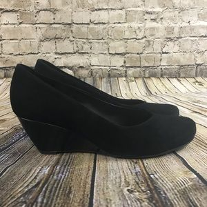 Clarks Women's Black Suede Size 10 Wedge Shoes